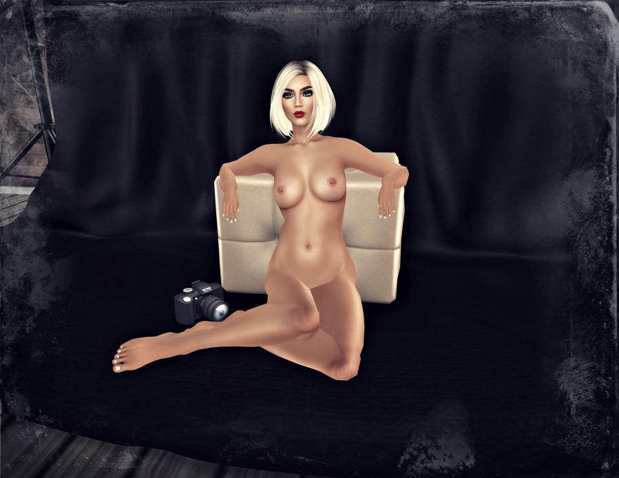 cara naked_001